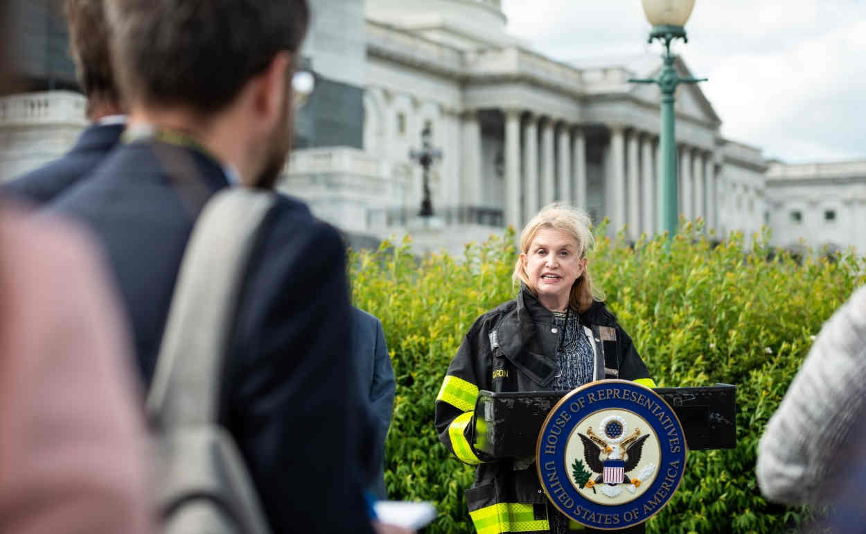 Democratic NYC Congresswoman Maloney re-introduces two bills to help Americans abroad